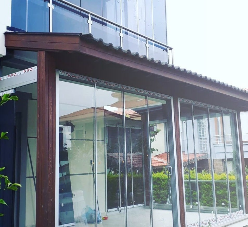 izmir pergola altı cam balkon renkleri