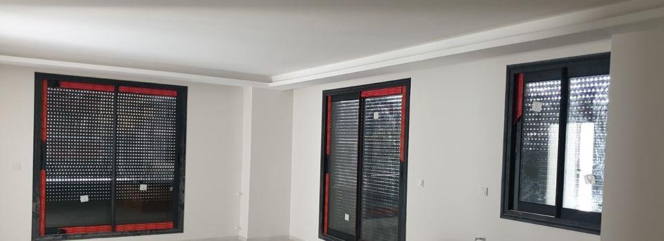 linea rossa kapı pencere