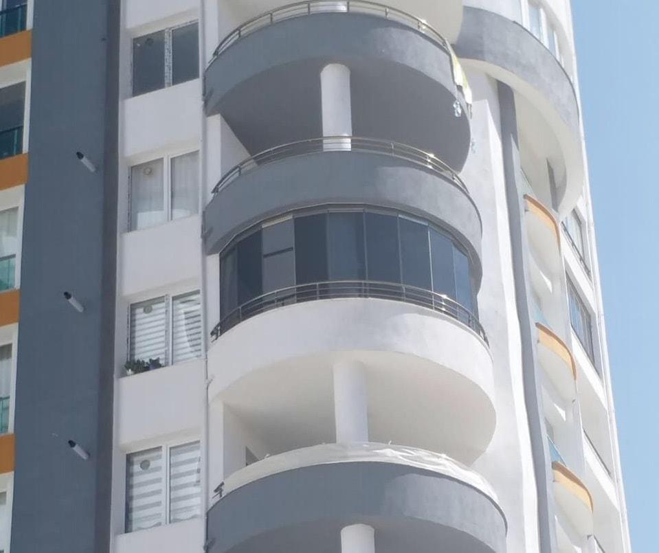 cam balkon İzmir oval sistem