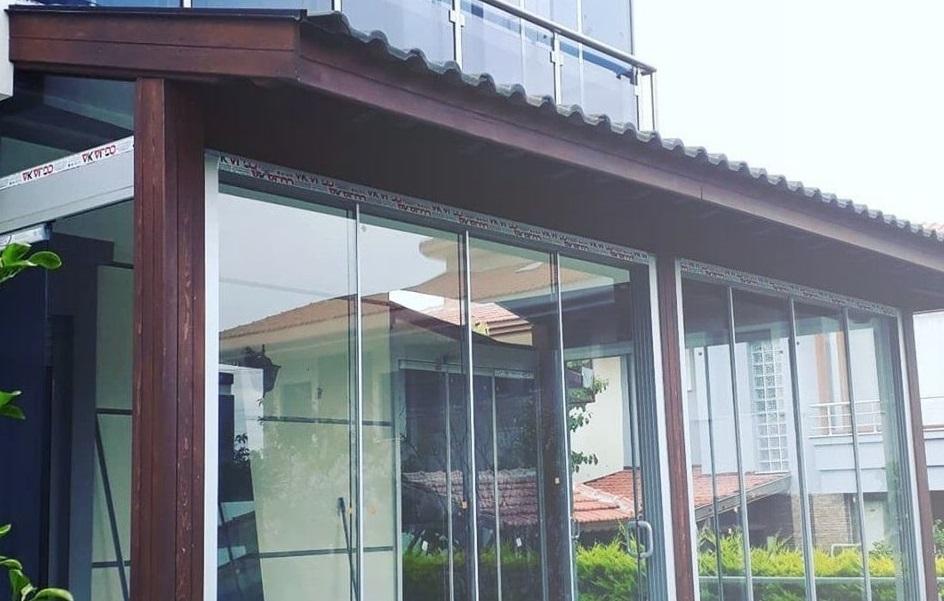 Pergola altı sürmeli cam balkon
