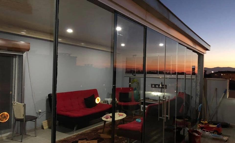 Sürmeli cam balkon